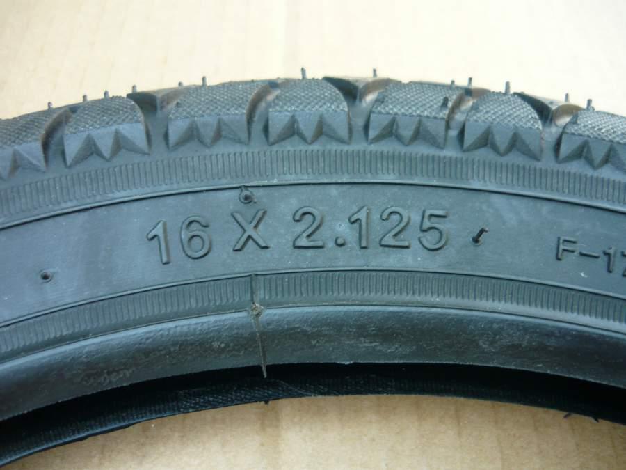 Köpeny 16x2.125 elektromos kerékpárhoz
